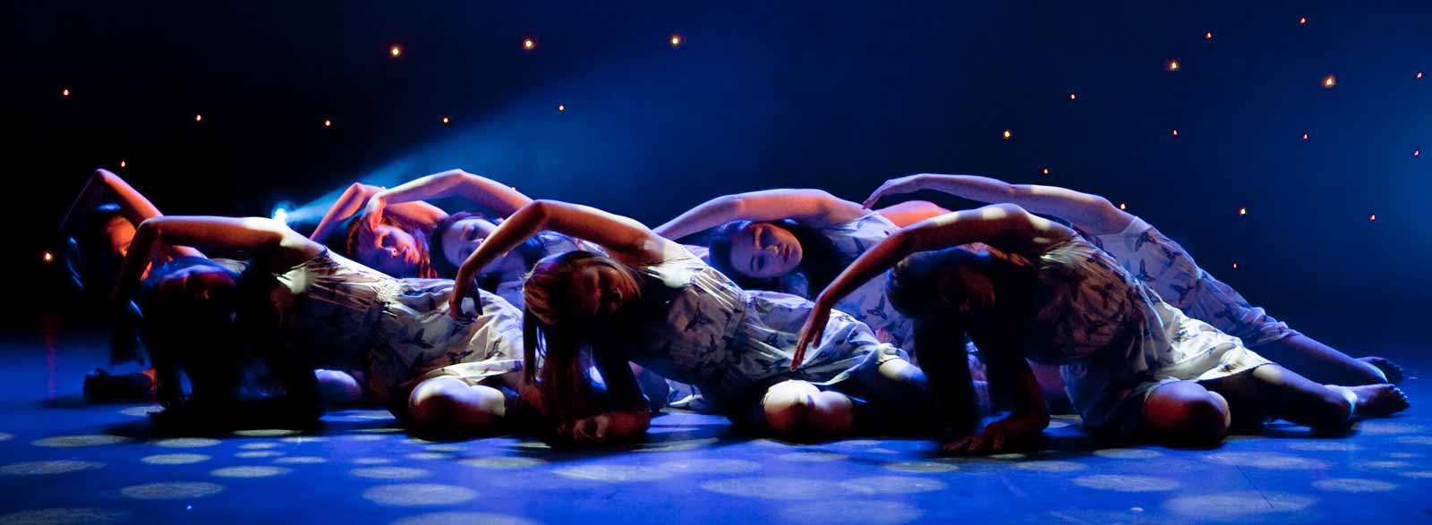 A Teens' Contemporary performance at the Aviv Dance Studios Annual Show